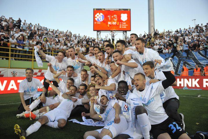 Igrači i treneri Rijeke nakon osvajanja posljednjeg Kupa Hrvatske u Puli/Foto Arhiva NL