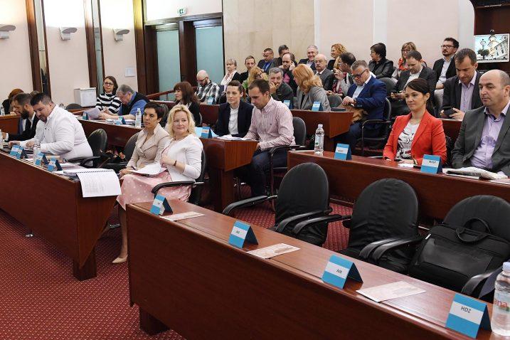 Oporba s gnušanjem napustila sjednicu Gradskog vijeća / Foto Ivica Tomić