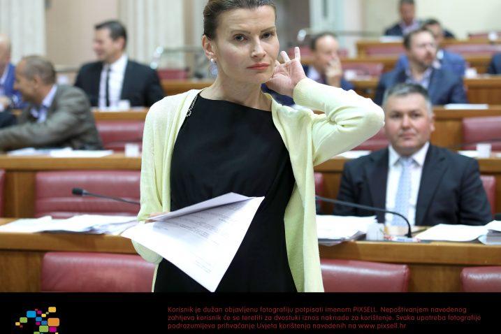 Sabina Glasovac ističe da najveća odgovornost zapravo leži na HDZ-u koji odbija usklađivati posebne propise /  Foto Patrik Macek/PIXSELL