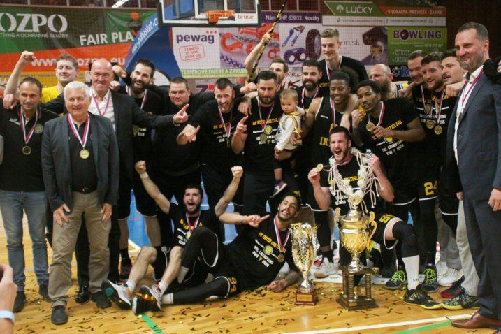 Košarkaši Intera s novim trofejom
