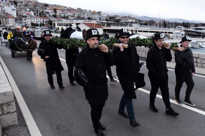 Picimorti su nosili mesopusta do mjesta izvršenja presude / Snimio Marko GRACIN