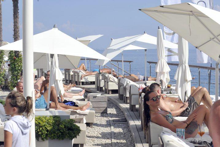 Gosti koji dolaze na Jadran, očito, vole luksuz / Snimio Vedran KARUZA
