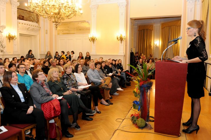 Ines Jakovčić obratila se gostima na sinoćnjem svečanom otvaranju Rijeke psihologije / Snimio Marko GRACIN