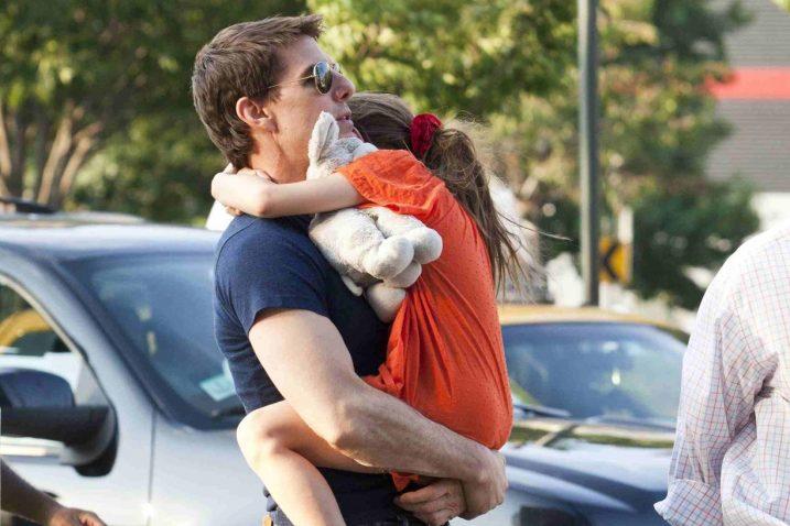 Tom Cruise snimljensa kćeri 2012. godine / Reuters