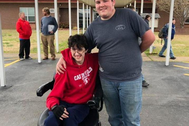 FOTO/Caddo Hills High School, Facebook