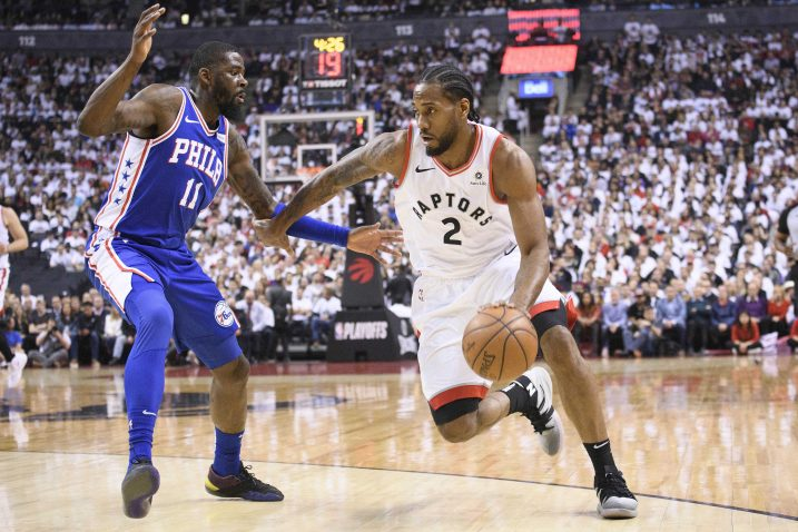 Kawhi Leonard (Toronto) i James Ennis (Philadelphia 76ers)/Foto REUTERS