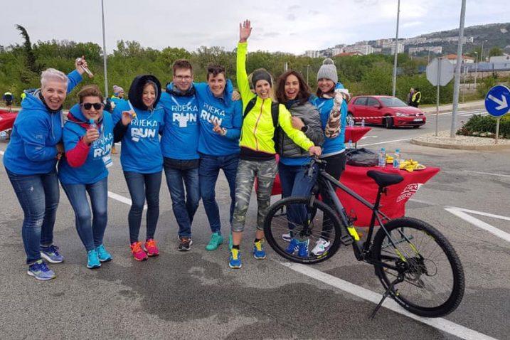U sedam utrka ovogodišnjeg izdanja Rijeka Run-a- maratonu, polumaratonu, utrci štafete, desetki, Erste petici, utrci 539 skok Trsatskim stubama i Molo longo trku, sudjelovalo je više od 40 članova riječke trkačke zajednice Torpedo Runners te dvadesetak volontera
