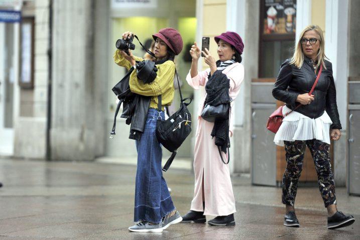 Sve više turista u Rijeci Foto Vedran KARUZA