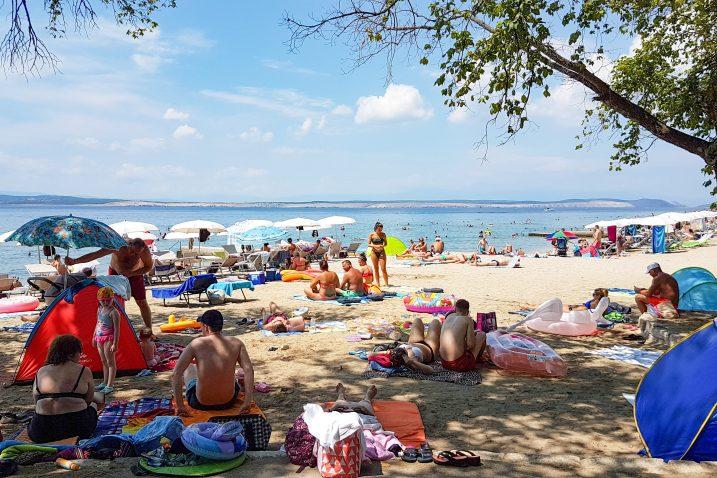 U Županiji tvrde da je postupak izdavanja koncesije za crikveničku plažu u režimu tajnosti