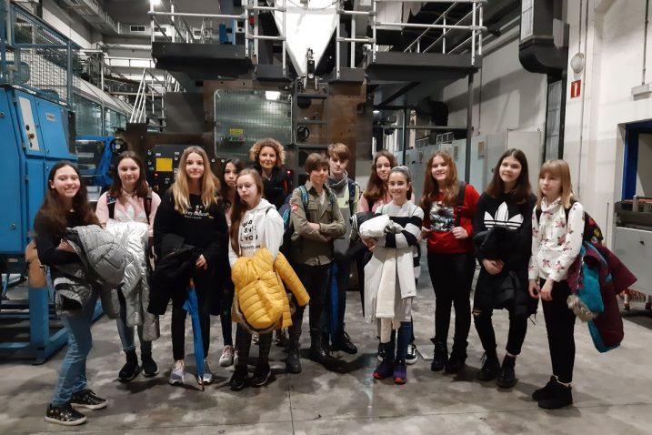 Učenici OŠ-SE Gelsi snimljeni tijekom posjeta Novom listu