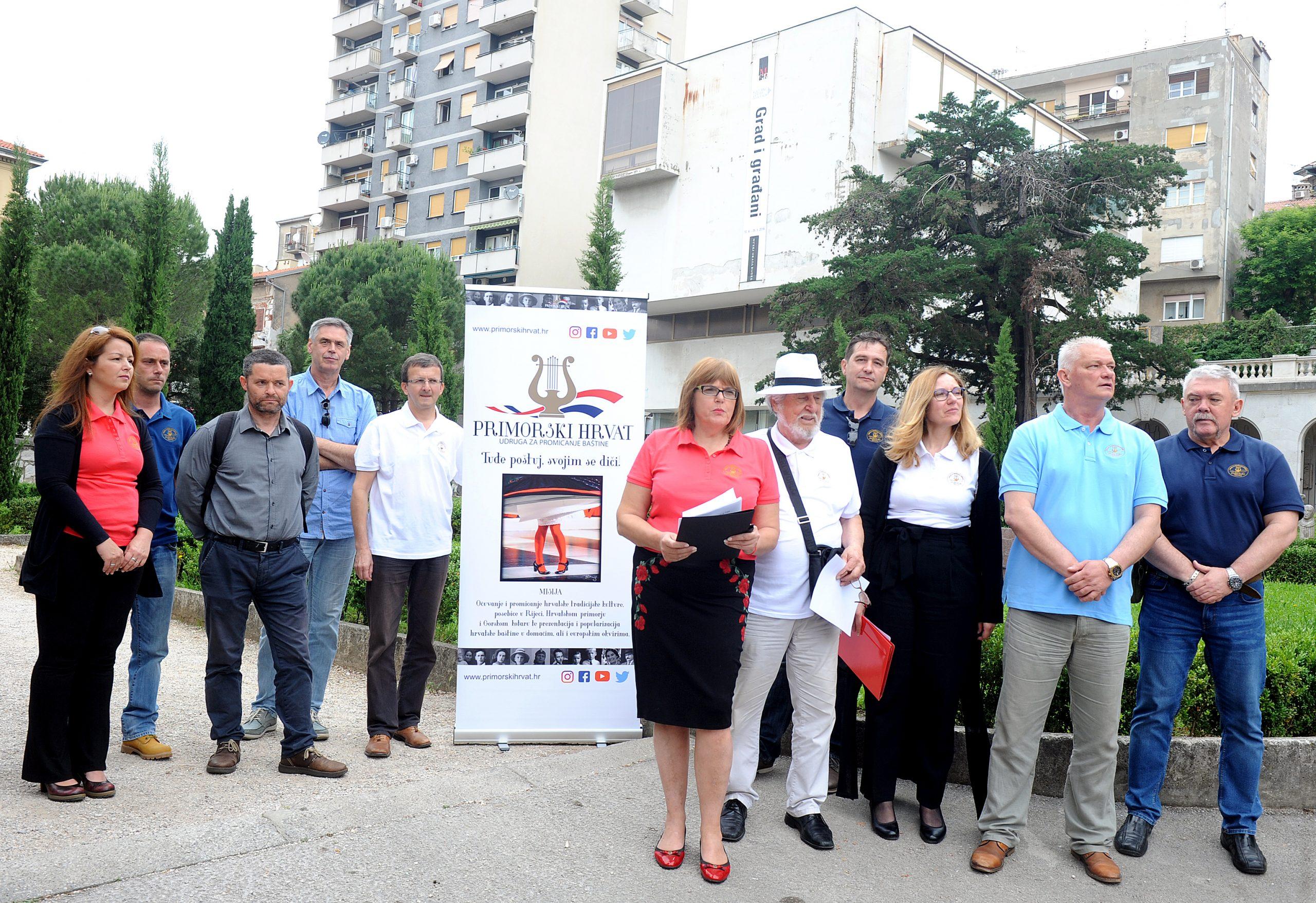 Žalosno je da je preimenovanje trga podržao gradonačelnik Vojko Obersnel, poručuje Primorski Hrvat / Snimio Marko GRACIN