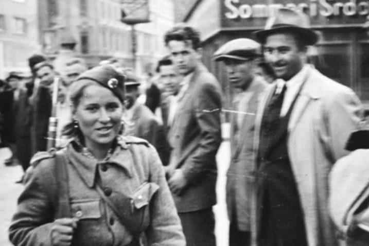Zagrepčani dočekuju partizane koji ulaze u Zagreb, 8. svibnja 1945. godine / Foto Antifašistički Vjesnik