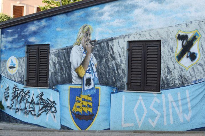 Prešarani mural na zidu kuće obitelji Karlović / Snimio B. PURIĆ