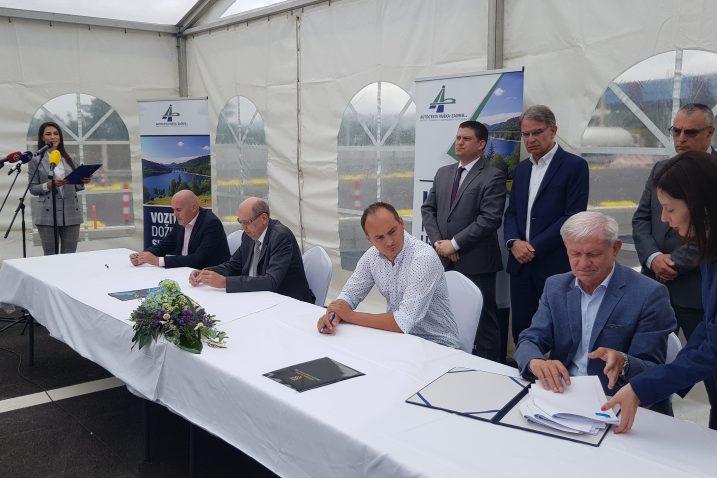 Potpisivanje ugovora o sanaciji mosta / Snimio Marko GRACIN