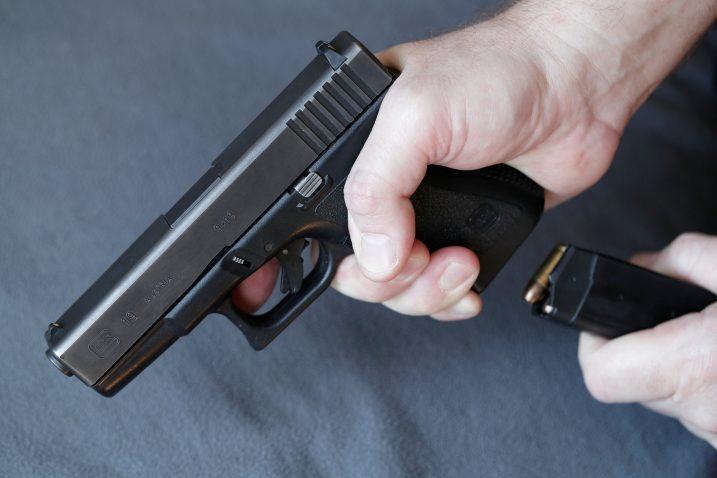 Pištolj / Reuters