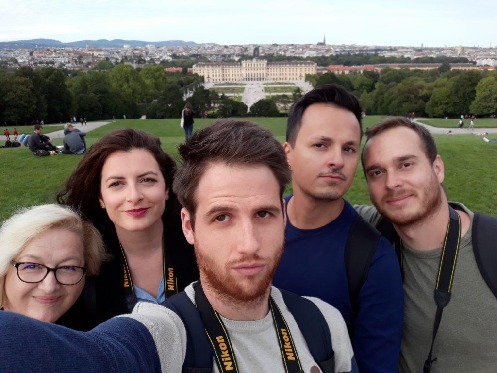 U povijesti umjetnosti svako istraživanje mora započeti radom na terenu - Nina Kudiš, Mateja Jerman, Marin Bolić, Damir Tulić i Mario Pintarić na terenskom istraživanju u Austriji / Foto MARIN BOLIĆ