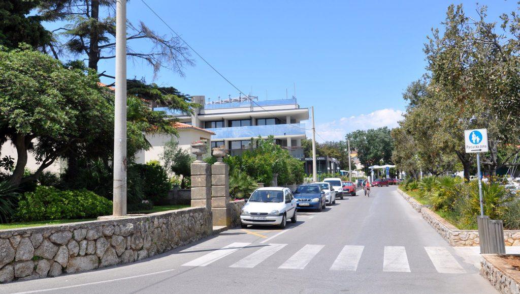 U naplatni sustav parkinga uskoro ulazi i ulica Lukobran / Snimio Mladen TRINAJSTIĆ