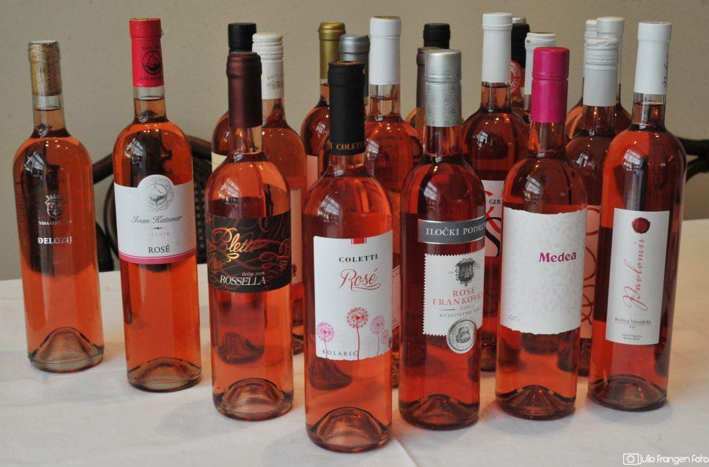 Ocjenjivana vina na natjecanju / Foto J. FRANGEN