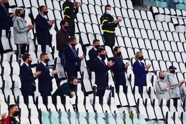 Ovako su članovi Uprave i stožera Juventusa pozdravili prolaz u finale Kupa/Foto REUTERS