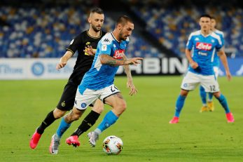 Matteo Politano (Napoli) i Marcelo Brozović (Inter)/Foto REUTERS