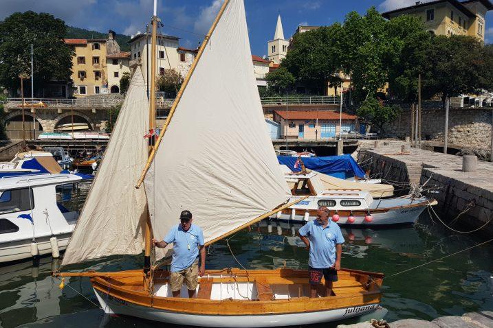 : »Julijana« je zaplovila, a na plovidbu je krenula iz lovranske lučice / Foto Radovan TRINAJSTIĆ