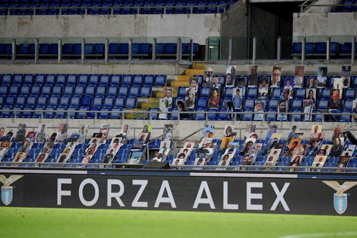 Poruke podrške Alexu Zanardiju stižu i s nogometnih stadiona poput rimskog Olimpica/Foto REUTERS