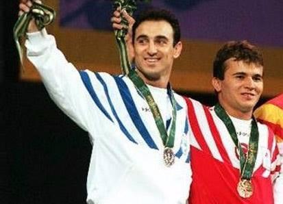 Dugogodišnje rivalstvo Süleymanoğlua i Leonidisa dosegnulo je najvišu točku na Olimpijskim igrama u Atlanti 1996. godine
