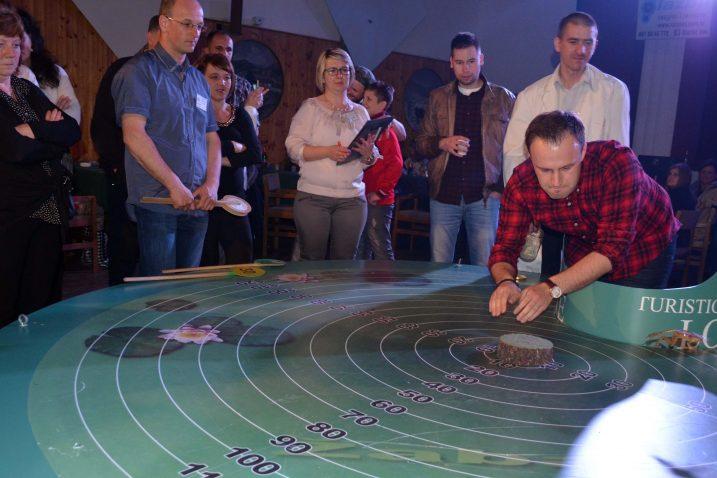 Pobjednički skok - Prince (u desnom kutu slike) leti do nedostižnih 90 centimetara / Marinko Krmpotić