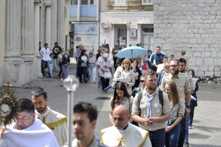 Tijelovska procesija - crkva Uznesenja BDM / Snimio Vedran KARUZA