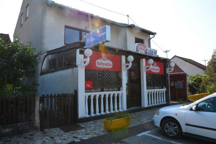 Kafić ispred kojeg se dogodila pucnjava, nakon koje je uslijedio napad na novinarke HRT-a / Foto Ivica Galovic/PIXSELL