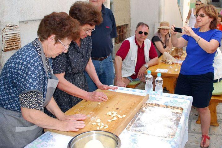 U postupak zaštite na otoku Krku kreće i čuvena tjestenina - krčke šurlice / Foto Mladen TRINAJSTIĆ