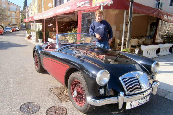 Karl-Heinz Schaefer s  britanskim oldtajmerom MG iz 1958. / Snimio Franjo Deranja