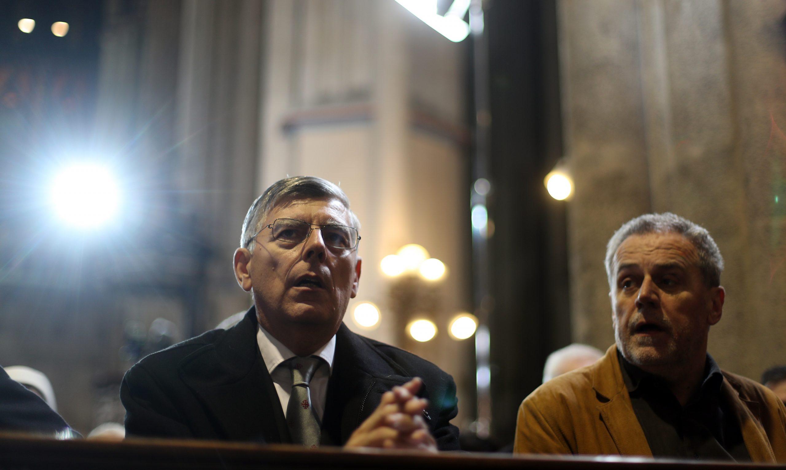 Kolege iz koalicije, Željko Reiner i Milan Bandić, u crkvenim klupama, foto: Slavko Midzor/PIXSELL