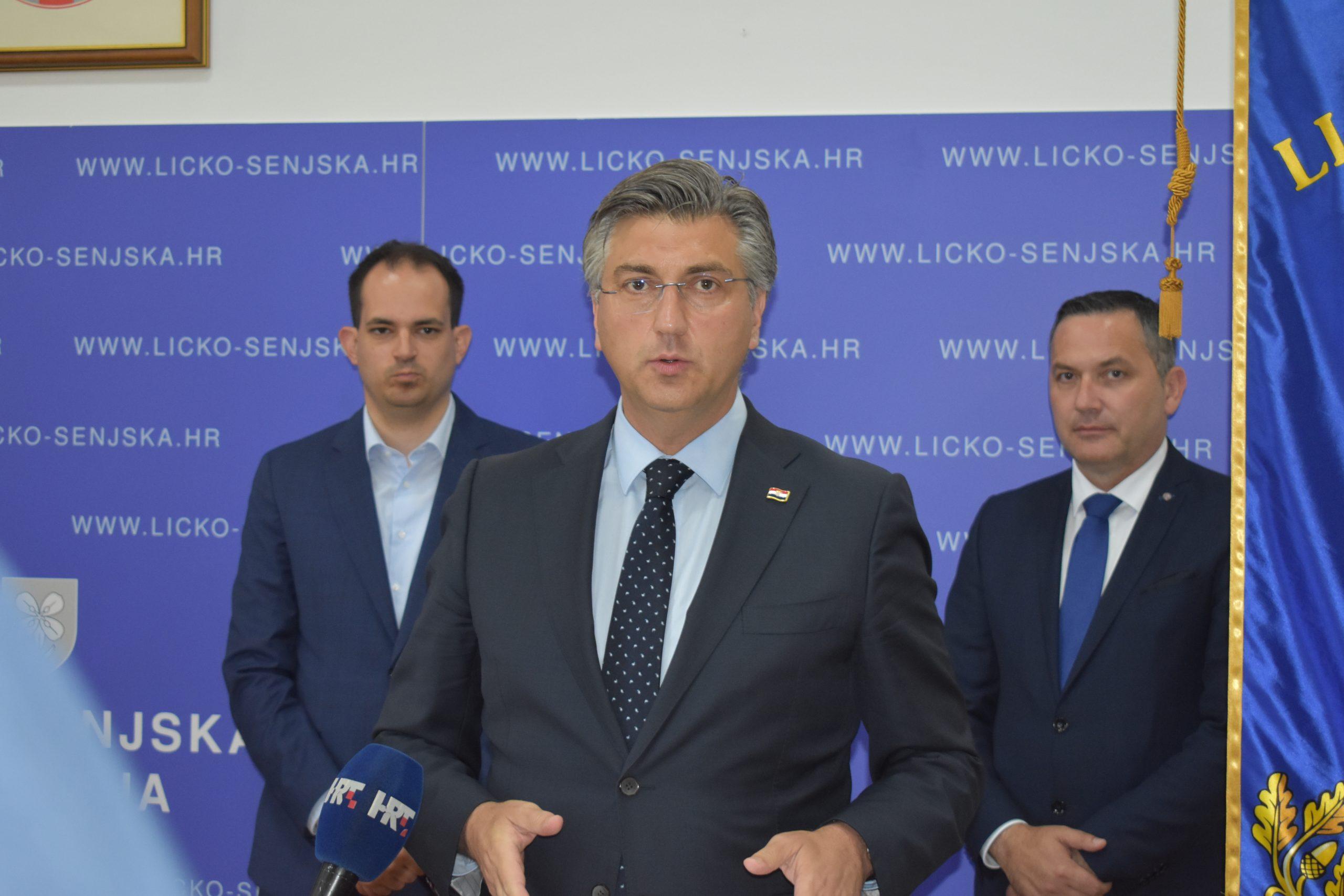 Andrej Plenković u Lici / Snimio Marin Smolčić