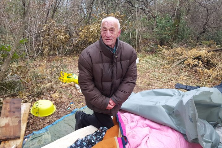 Riječki beskućnik Josip Vrkić Pepić četrdeset godina pod vedrim nebom / Foto Robert FRANK