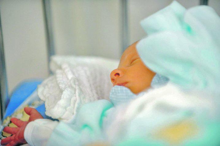 Riječko rodilište prvi je put dobilo titulu »Rodilišta – prijatelja djece« 1995. godine / arhiva NL