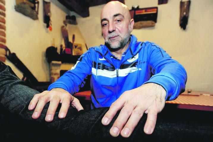 Nekadašnji sportski novinar Muhamed Omerović danas bioenergijom uspješno liječi sportaše / Foto Damir ŠKOMRLJ