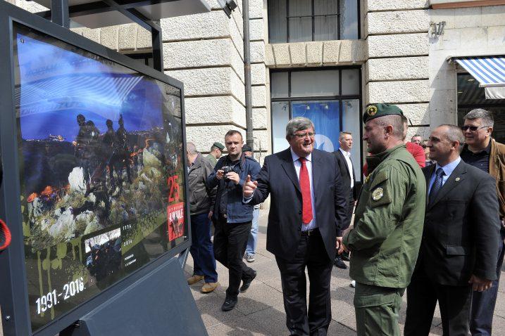 Gradonačelnik Vojko Obersnel otvorio je izložbu fotografija  / Snimio S. Ježina