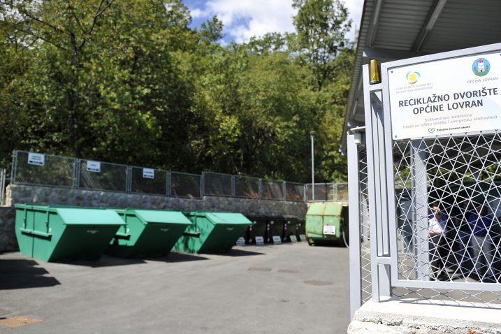 Na lovranskom reciklažnom dvorištu sada ima mogućnost odlagati oko 7.000 stanovnika  / snimio R. BRMALJ
