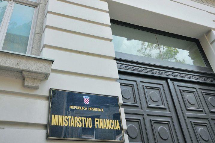 U Ministarstvu financija, čini se, mogu trljati ruke – deficit se kako-tako drži pod kontrolom / Foto Darko JELINEK