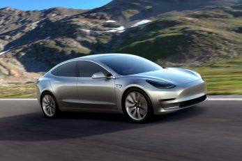 Tesla Model 3 / Reuters