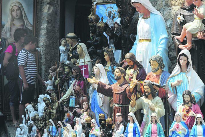 Previše vjerskog sadržaja, nadmašene sve moguće obaveze iz Ugovora HRT-a i Biskupske konferencije / snimio  N. REBERŠAK