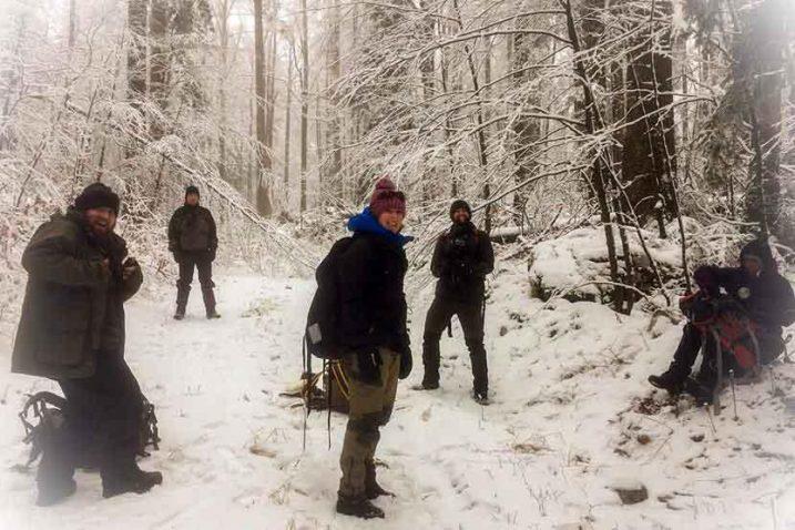 Engleski ljubitelji prirode iskusili kako izgleda život na goranskoj zimi / Foto Woodland WAYS