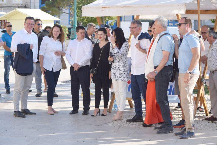 Butković i Cappelli u društvu lošinjskih HDZ-ovaca / Snimio B. PURIĆ