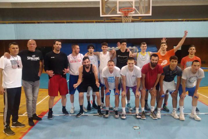 Košarkaši Kvarnera 2010 s gostima na trsatskom treningu ovoga ljeta