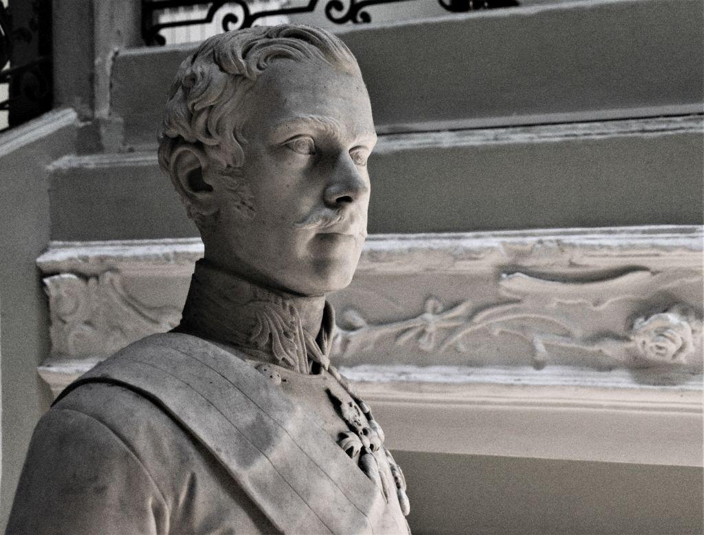 Mramorni kip cara Franje Josipa I., Državni arhiv u Rijeci / Snimio Mario Pintarić