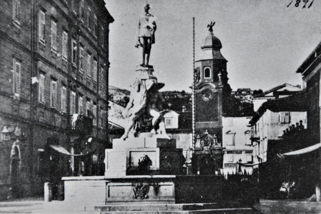Fontana »Francesco - Giuseppina«, fotografija preuzeta iz: Boris Vižintin, »Umjetnička Rijeka 19. stoljeća slikarstvo-kiparstvo«