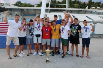 Mlađi kadeti Primorja EB s trenerom Oleksandrom Tiškivskim