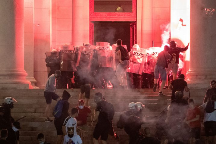 Proteklih dana srbijanski su građani prosvjedovali protiv vladinih mjera / Reuters