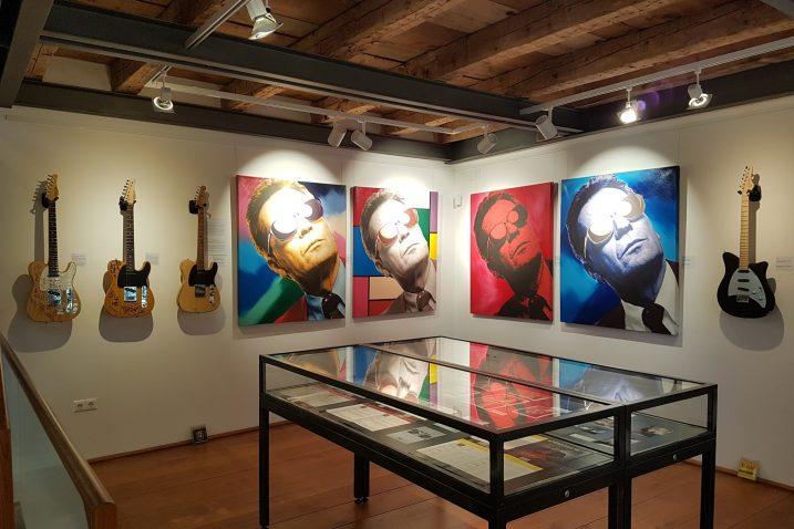 S izložbe »Stars & Guitars«